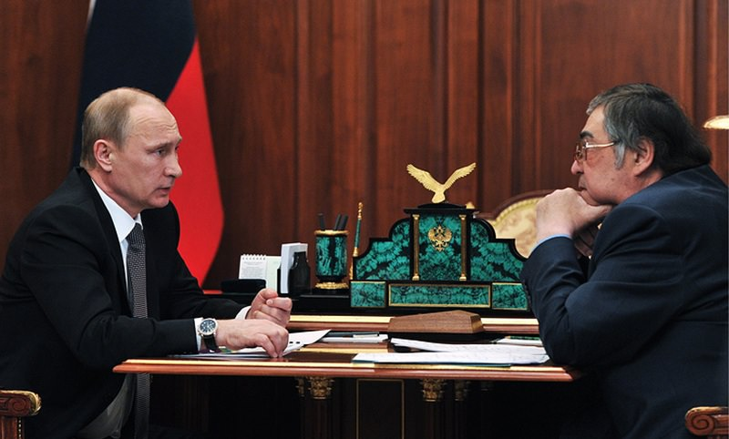 Путин поблагодарил Тулеева за многолетнюю работу на посту губернатора