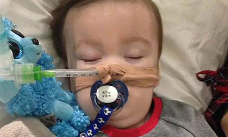 Врачи поставили крест на больном ребёнке и отключили от аппарата, но он выжил