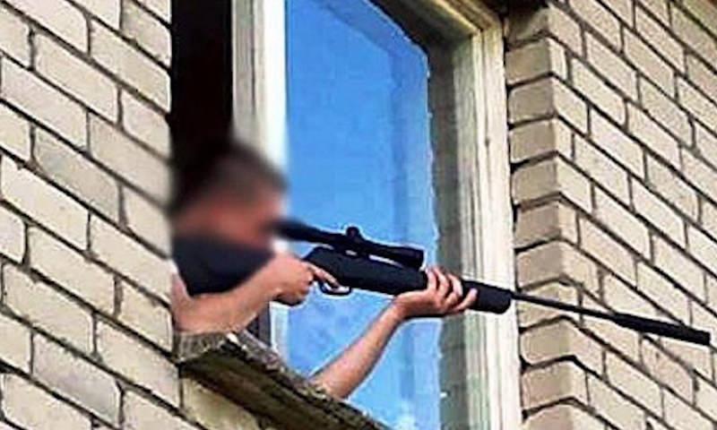 В Москве полиция задержала пьяного мужчину, стрелявшего из окна квартиры