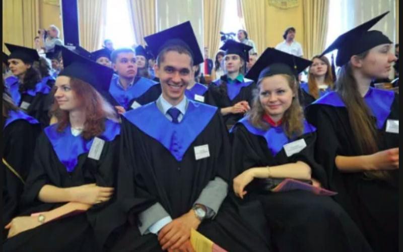 Детей российских чиновников и бизнесменов возвращают из Великобритании домой
