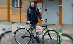 Челябинская поликлиника выделила педиатру велосипед, чтобы он ездил на вызовы