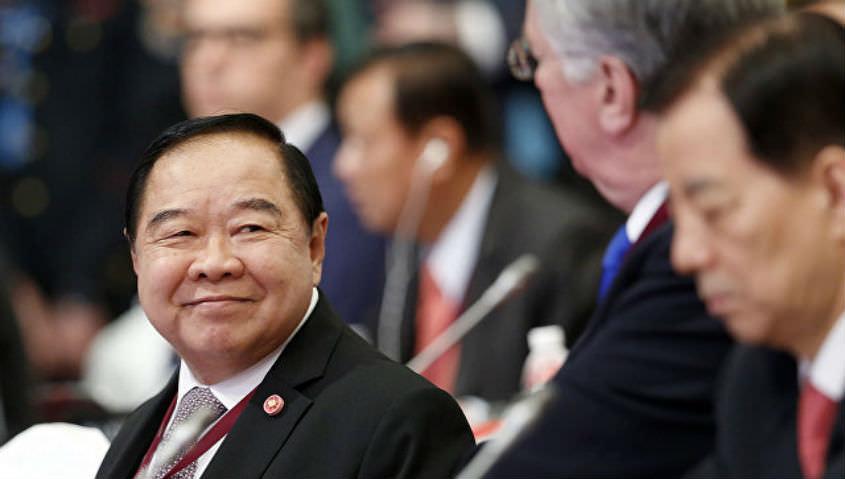Вице-премьер брал дорогие часы на прокат у друга-миллиардера