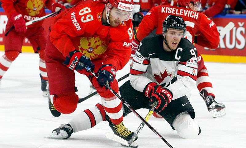 В тяжелейшей борьбе Россия проиграла Канаде на ЧМ по хоккею