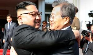 Лидеры Корей встретились на саммите в надежде спасти отношения КНДР и США