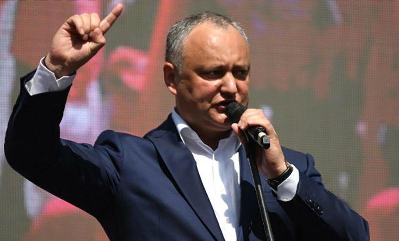 Додон призвал к массовому празднованию в Молдове Дня Победы