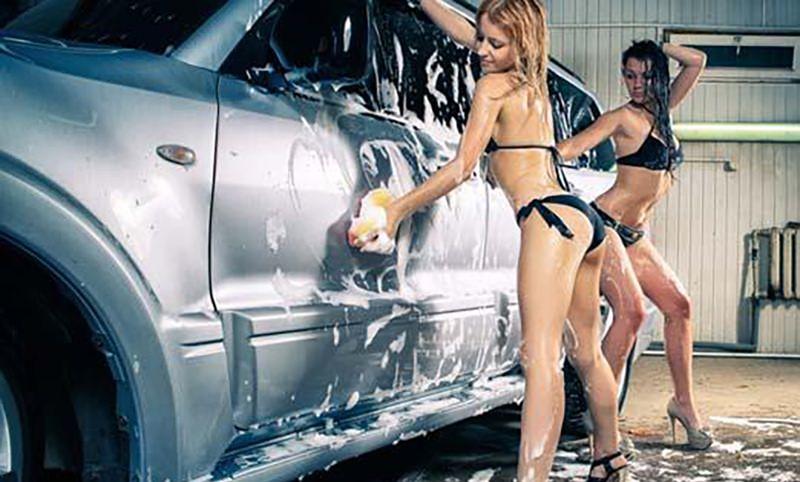 Сексуальная мойка машин закончилась для девушки фиаско
