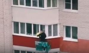 Барнаульский романтик постучался любимой в окно четвертого этажа