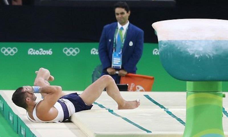 Флешмоб своих падений запустили в Сети гимнасты