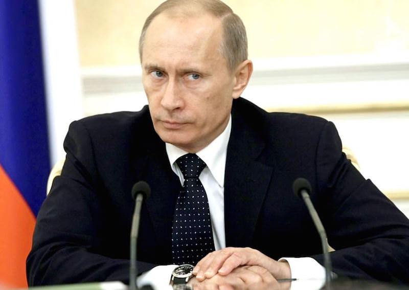 Владимир Путин поручил тщательно расследовать случаи рейдерских захватов частного бизнеса