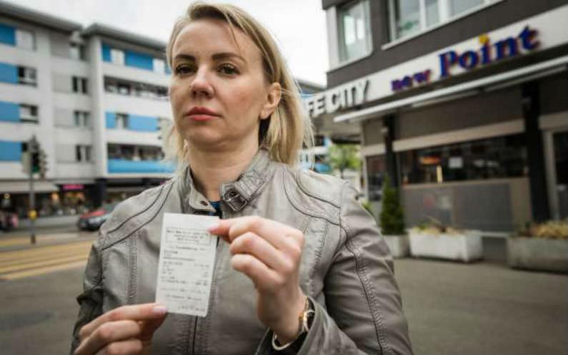 Безработная россиянка оставила щедрые чаевые в кафе в Швейцарии
