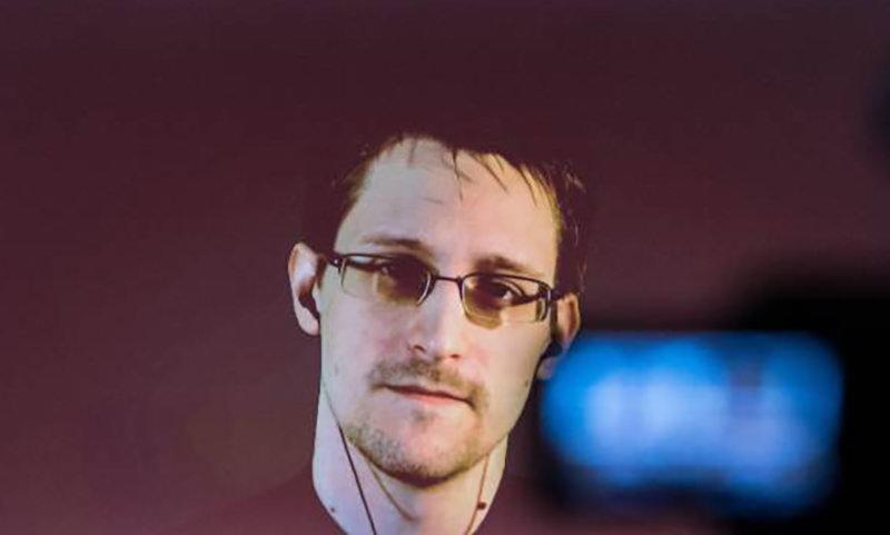 Сноуден: Никто на свете  не любит Путина так,  как Трамп