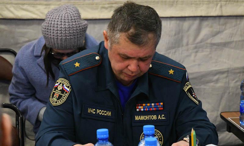 Путин уволил главу кемеровского МЧС за