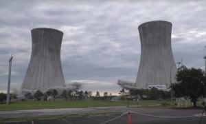 Две огромные башни взорвали во Флориде за 12 секунд