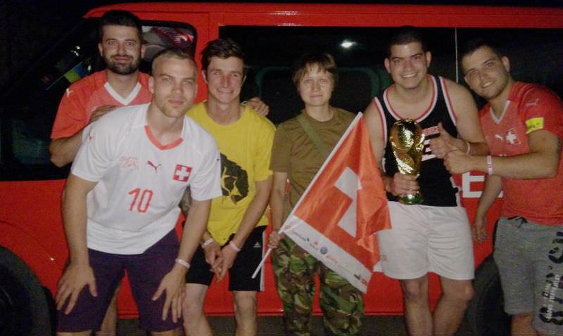 Болельщики Швейцарии случайно уехали в Донбасс вместо Ростова