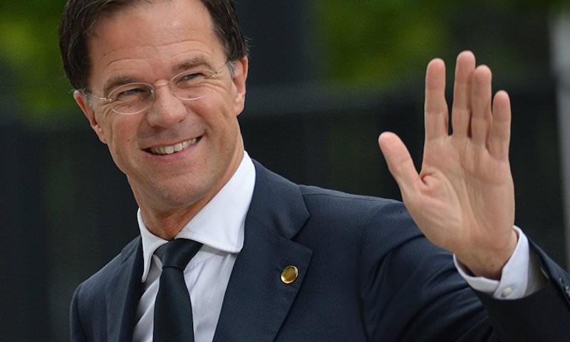 Глава правительства Нидерландов сорвал овации уборщиц