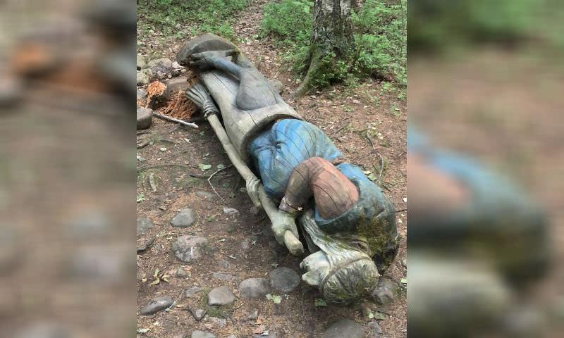 Баба Яга убила восьмилетнего мальчика в Ленинградской области