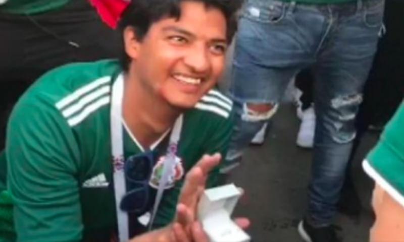 Мексиканец сделал предложение девушке на чемпионате мира в Москве