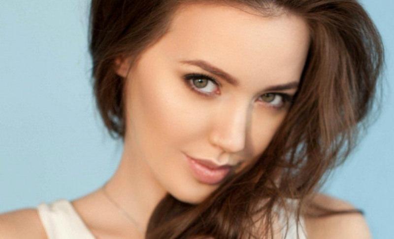 Беременную Анастасию Костенко снова положили на сохранение