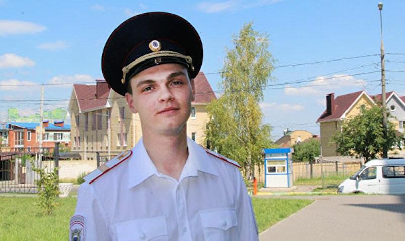 Полицейский в Нижнем Новгороде спас тонущего малыша-непоседу