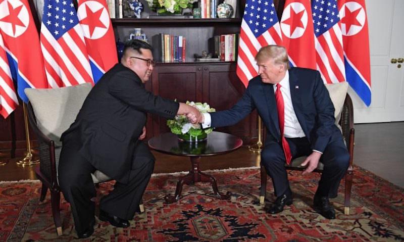 После исторической встречи Трамп показал Ким Чен Ыну своего