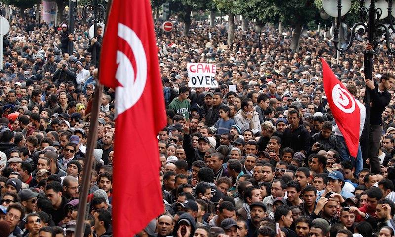 Забастовки, грабежи, мародерство: Тунис в огне социально-политического безумия