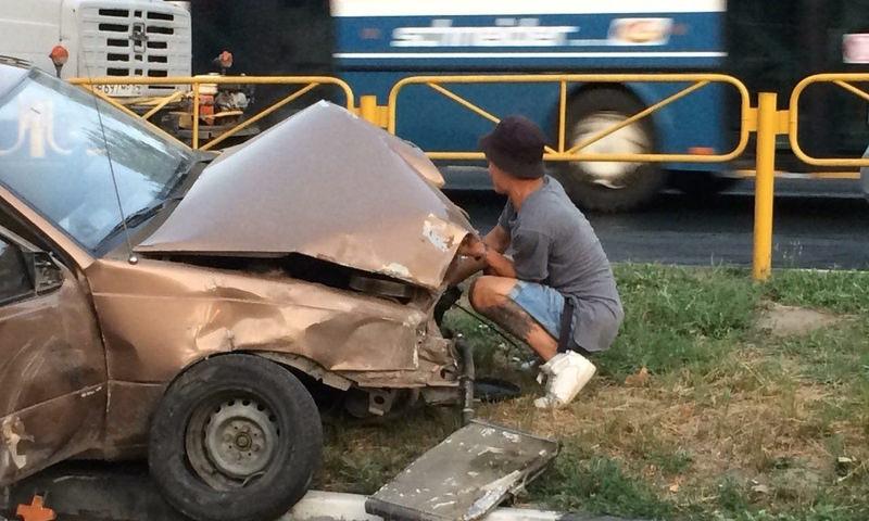 Пьяный подросток в Саратове разбил три машины и обматерил полицейских