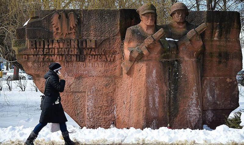 В Польше решили снести 75 памятников советским солдатам