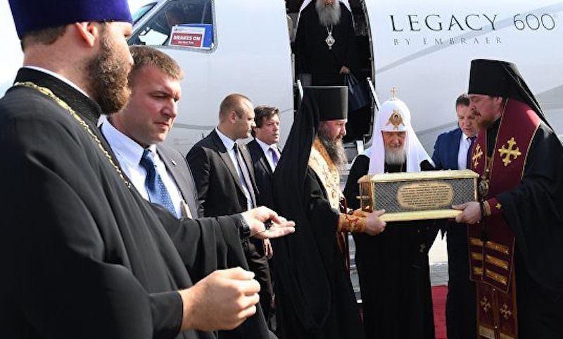 РПЦ объяснила полеты патриарха Кирилла частным самолетом