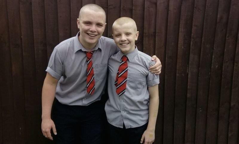 Мальчики побрились, чтобы поддержать больного деда и получили выговор в школе