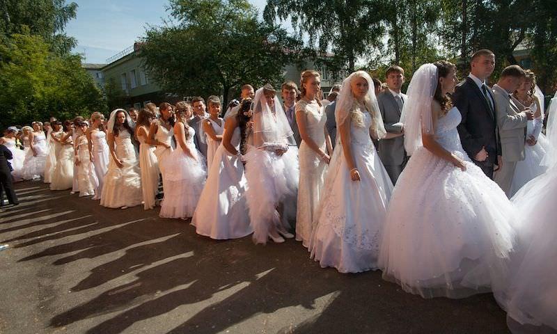 Три восьмерки спровоцировали свадебный бум в России. А зря