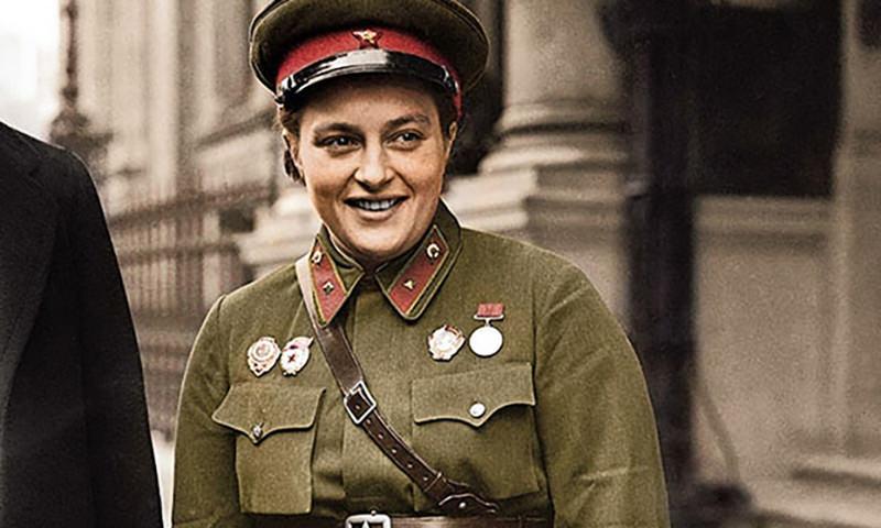 Календарь: 12 июля - День легендарной женщины-снайпера Людмилы Павличенко