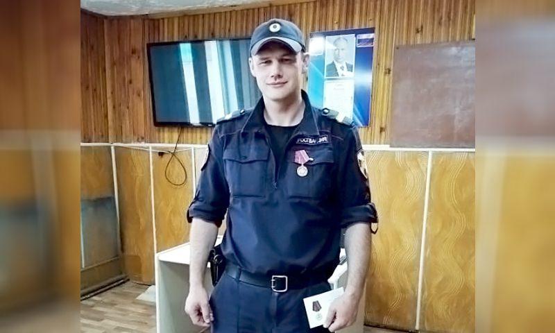 Росгвардеец спас тонущих женщину и ребенка в Якутии