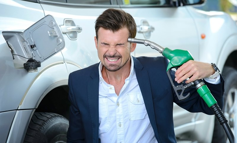 Оптовые цены на бензин в России за неделю выросли на 7%