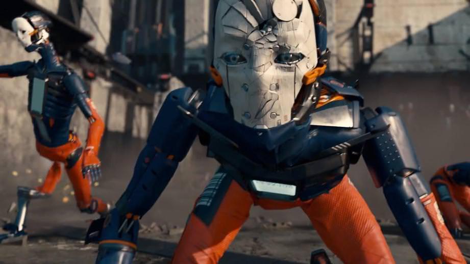 Человекоподобные роботы гуляющие по улицам