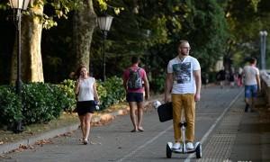 В Госдуме предложили регистрировать гироскутеры