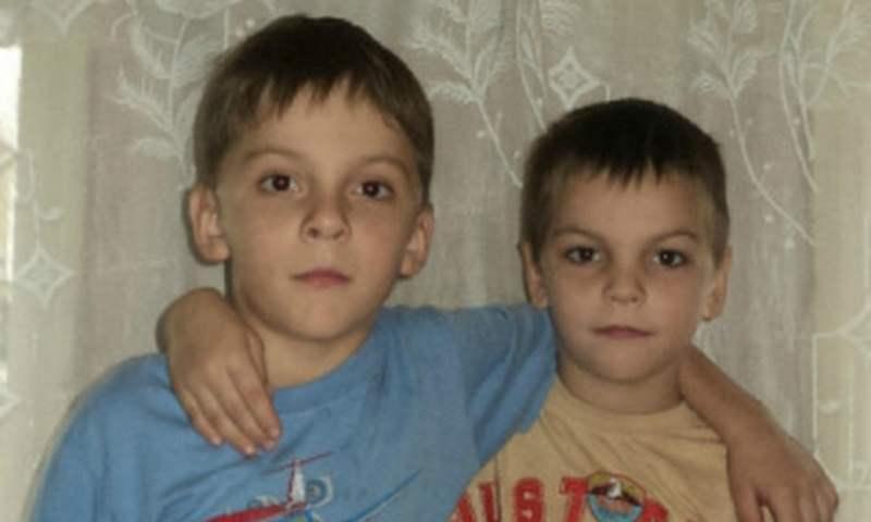 В Омской области братья - школьники спасли двух детей из горящего дома