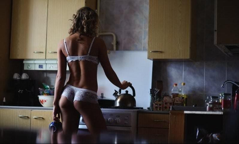 Российская компания уволила девушку из-за порноролика с ней