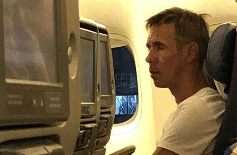 Алексей Панин устроил пьяный дебош в самолете