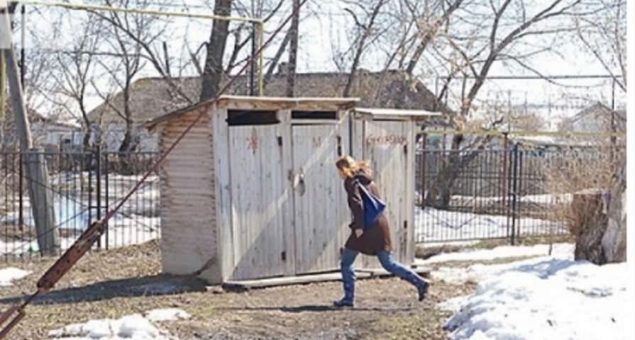 Губернаторам достанется от Медведева за уличные туалеты