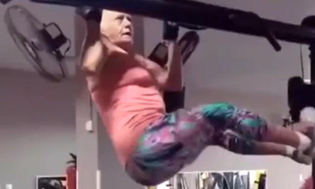 Бабушка спортсменка