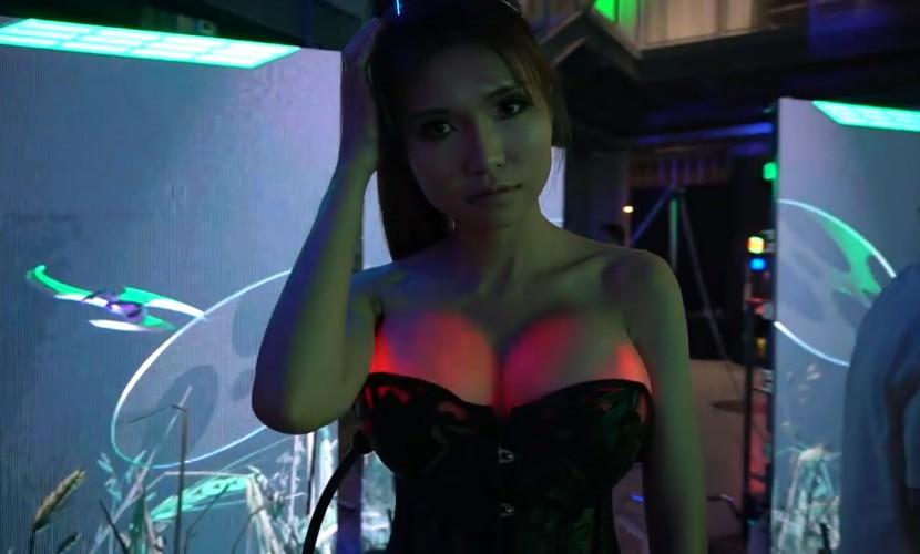 Изобретательница из Китая разработала «подсветку груди»