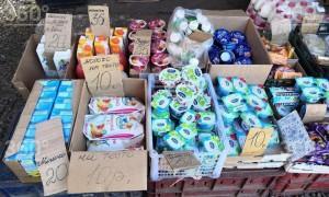Красноярские пенсионеры выстроились в очередь за просроченными продуктами
