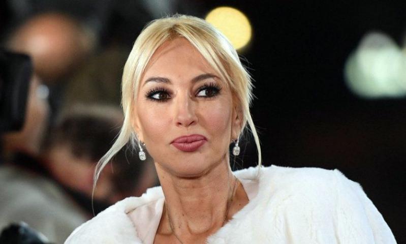 «50-летняя бабушка»: Кудрявцева без макияжа испугала фанатов