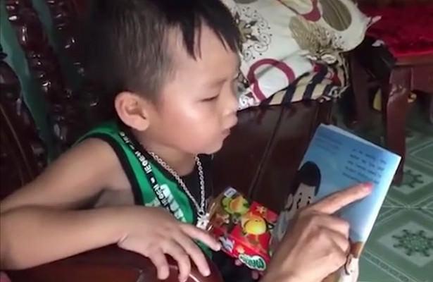 Мальчик срождения говорит начужом языке