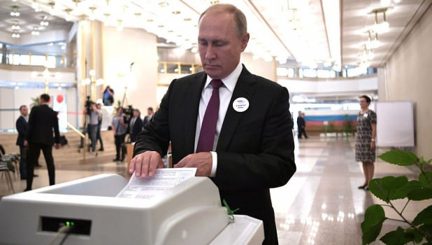 Путин дважды не смог проголосовать на выборах