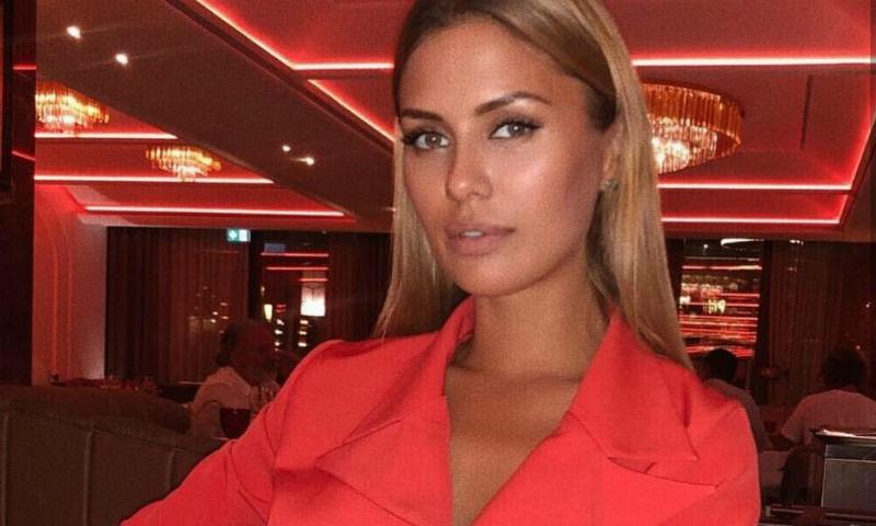 Одержима «уколами красоты»: Боня сделала инъекцию  для рук за 300 тыс. рублей