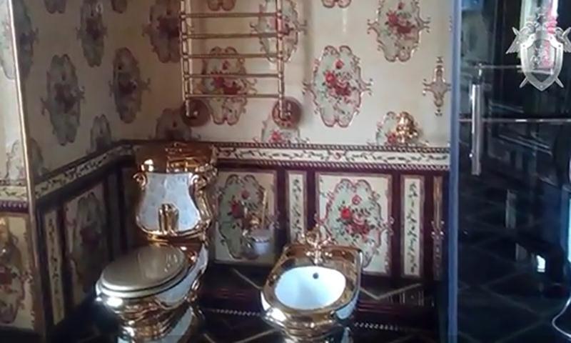 Золотые унитазы  обнаружили у подпольного владельца казино