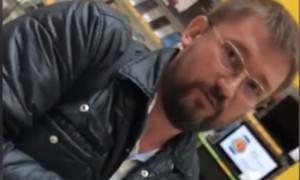 «Вшивая проститутка»: депутат оскорбил сотрудницу «Евросети»