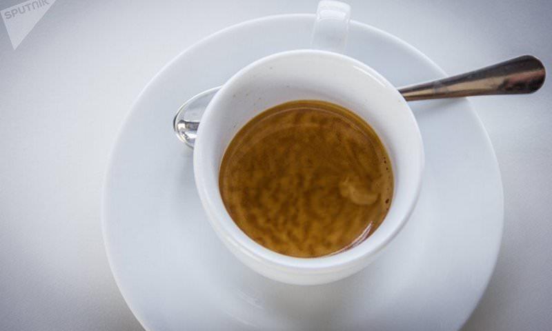 В Госдуме предложили запретить продажу кофе в школах