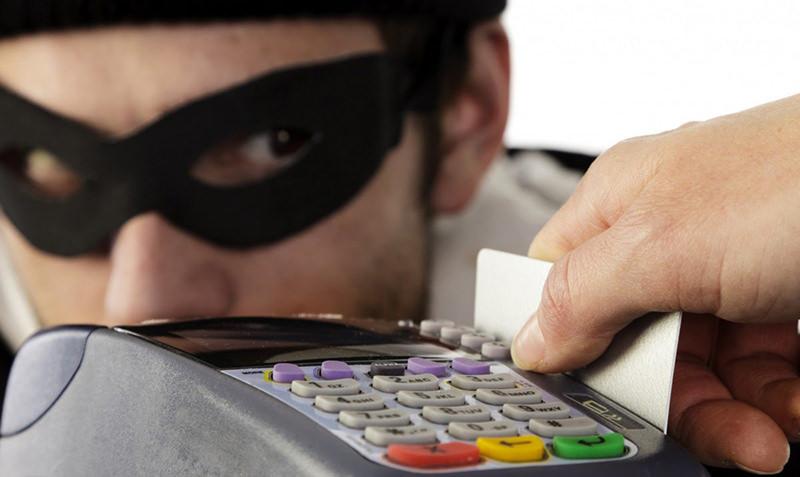 Мошенники изобрели новый способ кражи денег с банковских карт россиян